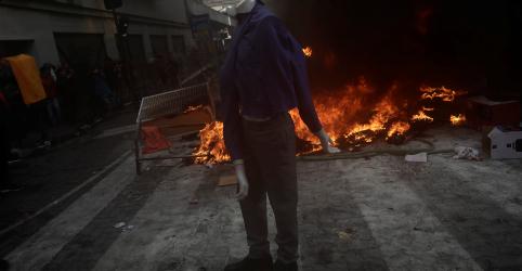 Placeholder - loading - Imagem da notícia Protestos no Chile continuam apesar de reforma ministerial; manifestantes convocam novos atos