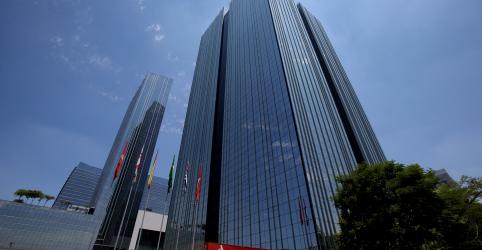 Placeholder - loading - Santander Brasil tem lucro recorrente acima do esperado no 3º tri