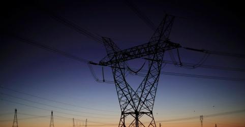 Placeholder - loading - Imagem da notícia Governo cria comitê para monitorar implementação de reforma no setor elétrico