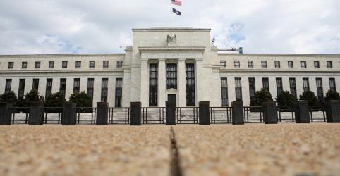 Placeholder - loading - Imagem da notícia Fed reduz juros mas sinaliza pausa em ciclo de afrouxamento monetário