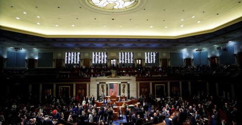 Placeholder - loading - Imagem da notícia Inquérito de impeachment de Trump passa por primeiro teste em Congresso dividido