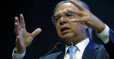 Placeholder - loading - Imagem da notícia Guedes diz que para crescer Brasil tem que sair de 'manicômio tributário'