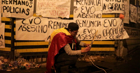 Placeholder - loading - Imagem da notícia Renúncia de Morales deixa vácuo político e convulsiona a Bolívia