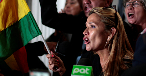 Senadora da oposição pode assumir governo da Bolívia após renúncia de Morales