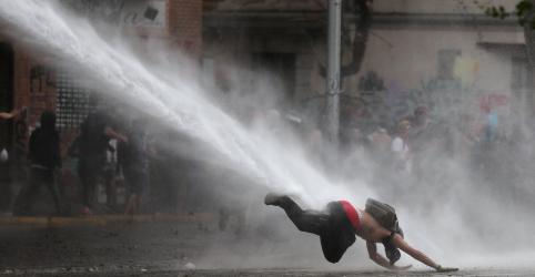 Placeholder - loading - Bloqueios de vias e manifestações marcam novo dia de protestos no Chile