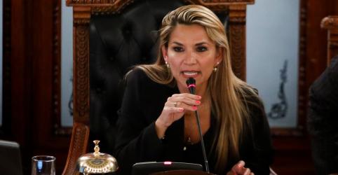 Senadora Jeanine Añez assume como presidente interina da Bolívia