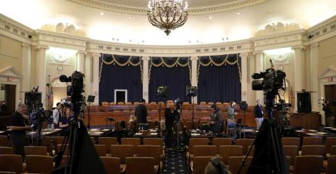 Placeholder - loading - 'Futuro da Presidência' entra em jogo em audiências de impeachment de Trump