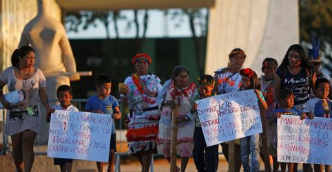Placeholder - loading - Imagem da notícia EXCLUSIVO-MPF quer coibir compra de grãos e gado de acusados de crimes contra indígenas