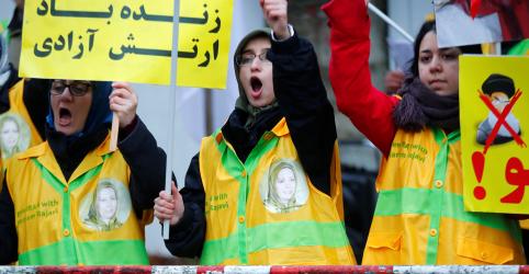 Presidente do Irã clama vitória em controle de protestos contra alta de 50% no preço do combustível