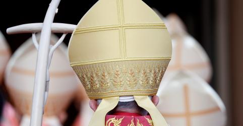 Papa diz que tecnologia e globalização ameaçam individualidade de jovens