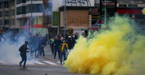 Placeholder - loading - Novos protestos na Colômbia reúnem milhares de manifestantes após 3 mortes na 5ª-feira