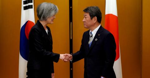 Em tentativa de reparar laços, Japão e Coreia do Sul concordam em negociar no próximo mês