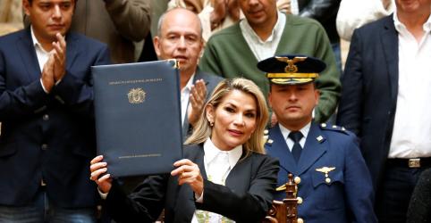 Placeholder - loading - Imagem da notícia Líder boliviana concorda em retirar militares das ruas em acordo para 'pacificar' país