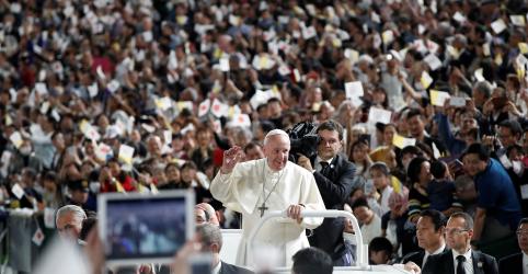 Placeholder - loading - Papa expressa preocupação com energia do futuro ao consolar vítimas de Fukushima
