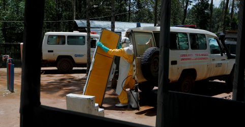 Placeholder - loading - Ataques contra centros de reação ao Ebola no Congo deixam 4 mortos