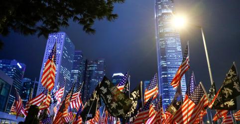 China rejeita lei pró-Hong Kong dos EUA; milhares fazem ato durante Dia de Ação de Graças