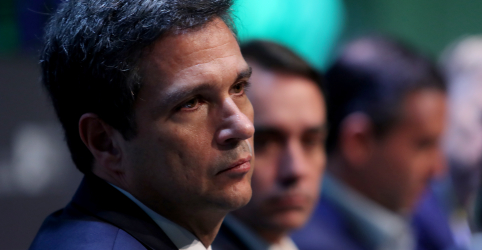 Placeholder - loading - Imagem da notícia Câmbio é flutuante, reforça Campos Neto após ameaças de Trump