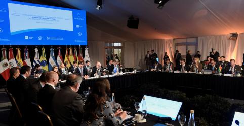 Placeholder - loading - Imagem da notícia Em meio a mudanças de governo, Mercosul se reúne em cúpula sem expectativa de avanços