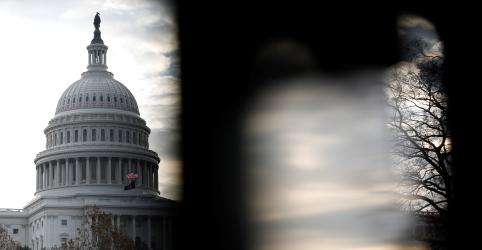 Especialistas jurídicos convocados por democratas consideram ações de Trump passíveis de impeachment