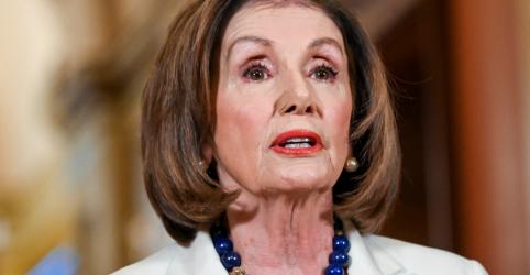 Presidente da Câmara dos EUA prossegue com impeachment de Trump e diz que democracia está em jogo