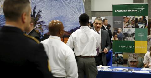 Criação de empregos nos EUA tem melhor ritmo em 10 meses em novembro