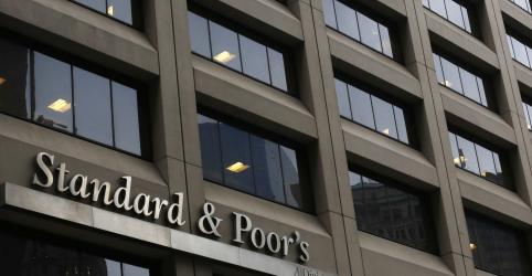 S&P eleva perspectiva para nota de crédito do Brasil, cita melhora de posição fiscal