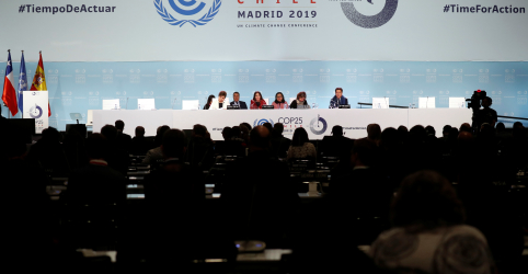 Placeholder - loading - Imagem da notícia ANÁLISE-Cúpula morna de Madri aumenta desafio por ações sobre o clima em 2020