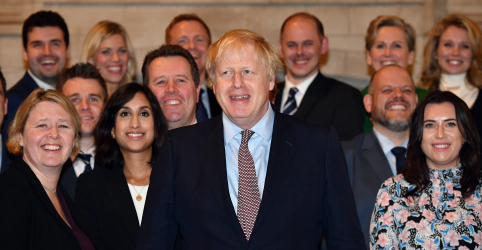 Placeholder - loading - Reino Unido usa ameaça de Brexit caótico para cobrar UE sobre acordo comercial