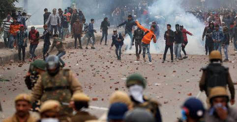 Nova Délhi tem novos confrontos por polêmica lei de cidadania da Índia
