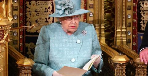 Placeholder - loading - Imagem da notícia Johnson coloca Brexit em 31 de janeiro como principal prioridade, diz rainha