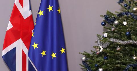 Placeholder - loading - Imagem da notícia Johnson promete aprovação de acordo do Brexit como presente de Natal aos britânicos