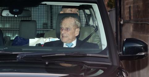 Placeholder - loading - Imagem da notícia Príncipe Philip deixa hospital a tempo do Natal