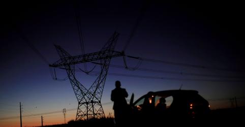 Placeholder - loading - Imagem da notícia ONS prevê queda de 1,1% na carga de energia do sistema Brasil em janeiro