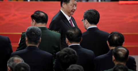 Placeholder - loading - Imagem da notícia China recorre a especialistas financeiros para lidar com riscos econômicos