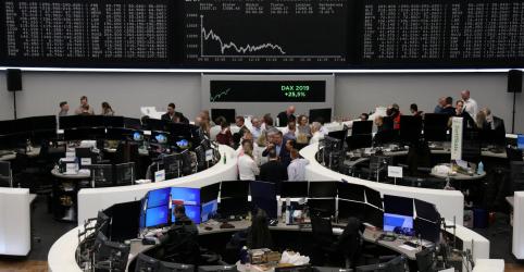 Placeholder - loading - Imagem da notícia Índice europeu de ações sobe cerca de 23% no ano, mas fraqueja em última sessão