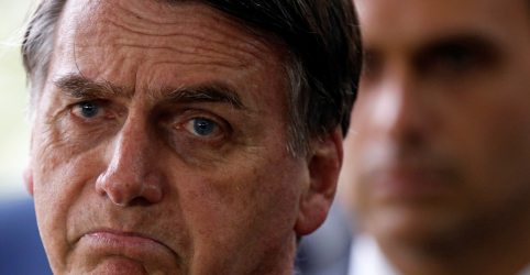 Placeholder - loading - Imagem da notícia Líder do PSL diz que primeira reforma de Bolsonaro será a da Previdência