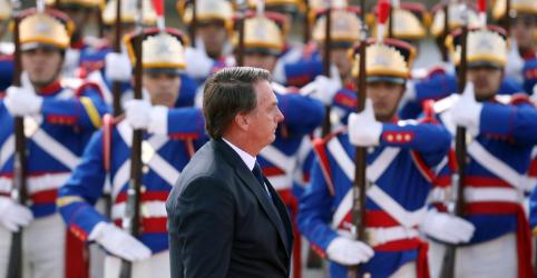 Placeholder - loading - Imagem da notícia Bandeira só será vermelha se for preciso sangue para mantê-la verde e amarela, diz Bolsonaro