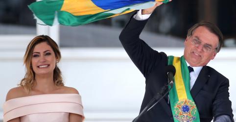 Placeholder - loading - Imagem da notícia Nossa bandeira só será vermelha se for preciso sangue para mantê-la verde e amarela, diz Bolsonaro