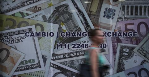 Placeholder - loading - Dólar cai para menor valor em 2 meses, perto de R$3,70, com ajuda externa