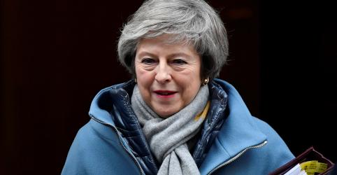 Placeholder - loading - Imagem da notícia Premiê May sofre derrota no Parlamento em retomada de debate sobre Brexit