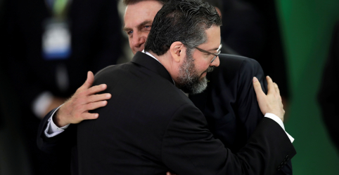 Placeholder - loading - ESPECIAL-Política externa de governo Bolsonaro segue um mistério, mas sinais são preocupantes