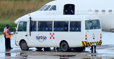 Placeholder - loading - Imagem da notícia Battisti é extraditado para Itália após ser preso na Bolívia