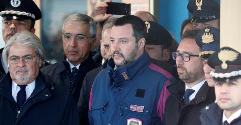 Placeholder - loading - Imagem da notícia Ministro italiano agradece empenho de Bolsonaro no caso Battisti