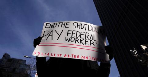 Placeholder - loading - Imagem da notícia Paralisação impacta economia dos EUA enquanto democratas rejeitam convite de Trump para negociar