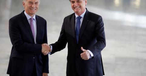 Bolsonaro e Macri aumentam pressão sobre Maduro
