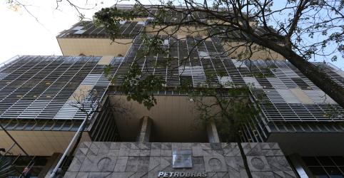 ENTREVISTA-Almirante na Petrobras pode ajudar a defender estatal no governo, diz conselheiro
