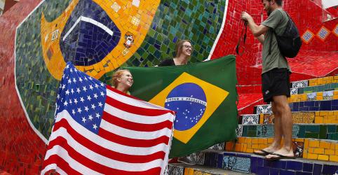 Placeholder - loading - Imagem da notícia Para fomentar turismo, Brasil quer acabar com visto para cidadãos dos EUA, diz ministro