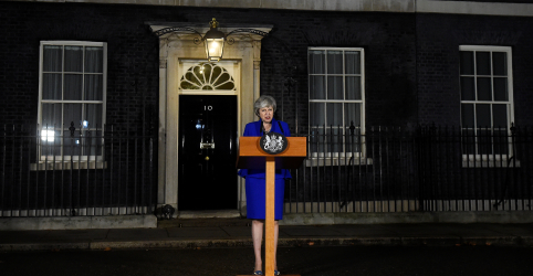 "Dividido por crise, Reino Unido busca ""plano B"" para Brexit"