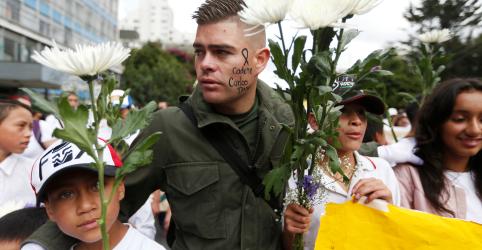 Placeholder - loading - Imagem da notícia Grupo guerrilheiro ELN admite ataque contra academia de polícia na Colômbia; insiste em diálogo