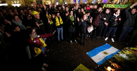 Busca por jogador argentino Sala foca em possibilidade de bote salva-vidas, diz polícia britânica